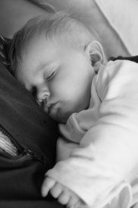 Illustration : bébé dormant